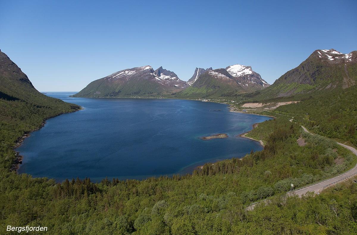 Bergsfjorden op Senja